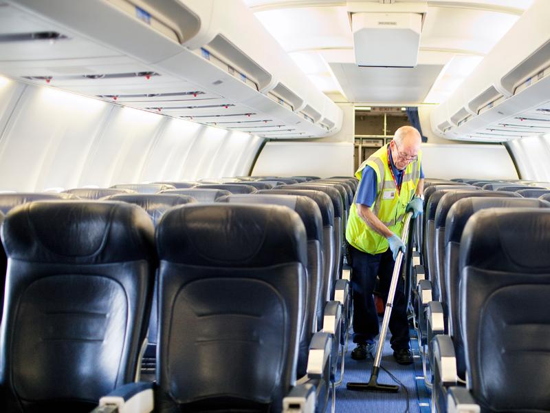 Уборка самолетов
